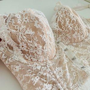 Victoria's Secret corset lined demi Dream Angels